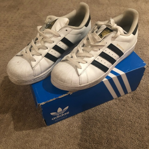 adidas Shoes - Tennis shoes